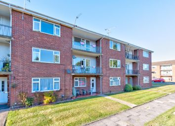 2 bed flat for sale in Rowan Close, St. Albans, Hertfordshire AL4