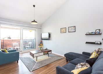 Thumbnail 1 bed flat for sale in Duncombe Road, Archway, London