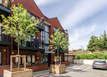 Thumbnail 2 bed flat to rent in Leverton Close, Wood Green, London