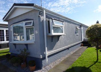 2 bed mobile/park home for sale in Arkley Park, Barnet Road, Barnet, Hertfordshire EN5