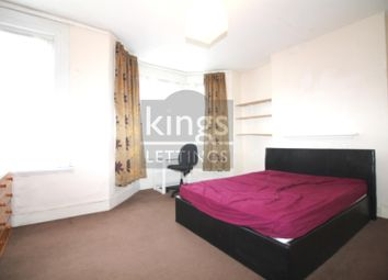 4 bed property to rent in Rutland Gardens, London N4
