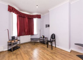 Thumbnail 1 bedroom flat for sale in Oakleigh Road North, Brunswick Park
