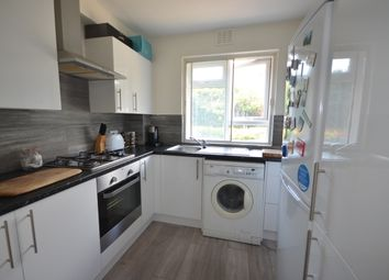 2 bed flat to rent in Courtlands, Maidenhead SL6