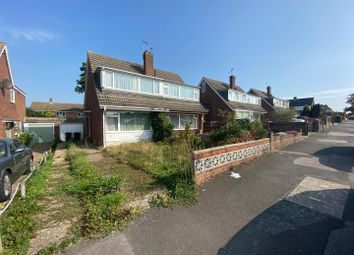 3 bed property for sale in Cleves Way, Ashford TN23