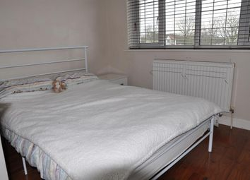 Thumbnail Room to rent in Ormsby Way, Greenford