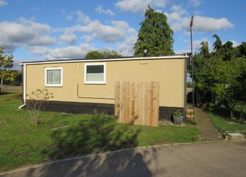 2 bed mobile/park home for sale in Rozel Court, Beck Row, Bury St. Edmunds IP28