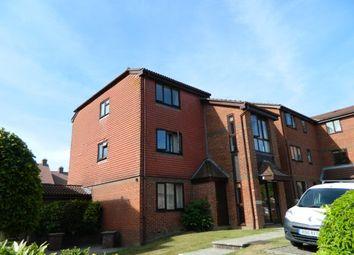 Thumbnail 1 bed flat to rent in Tanyard Close, Horsham
