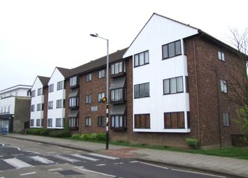 Thumbnail 3 bedroom flat to rent in Leigh Road, Leigh-On-Sea