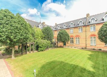 2 bed flat for sale in Aston Close, Watford WD24