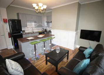 Thumbnail 3 bed property to rent in Queen Square, Leeds