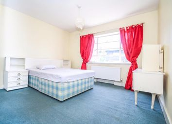 Thumbnail 3 bed flat to rent in Streatham High Road, London