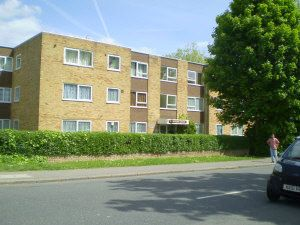 Thumbnail 2 bed flat to rent in Rickmansworth Road, Harrow