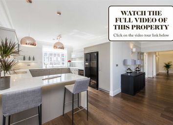Thumbnail 3 bedroom flat for sale in Park Lodge, London