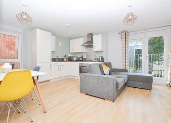 St. Leonards Road, Eastbourne BN21. 2 bed flat