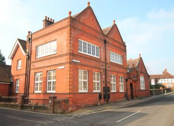 Thumbnail 3 bed flat to rent in Bank Street, Bishops Waltham, Southampton