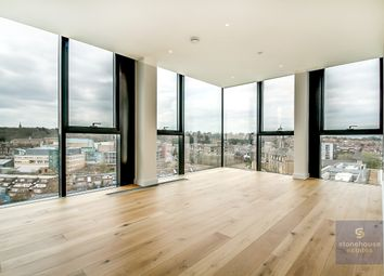 2 bed flat to rent in Hill House, 17 Highgate Hill, London N19
