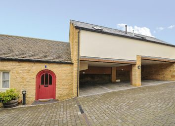 Thumbnail 1 bedroom flat for sale in Chipping Norton, Oxfordshire