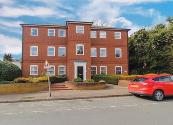 Thumbnail 2 bed flat to rent in Oxford Road, Colchester