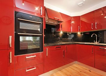 Thumbnail 3 bed flat to rent in Queens Gardens, Bayswater, London