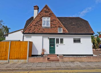 The Retreat, Harrow HA2. 3 bed detached house