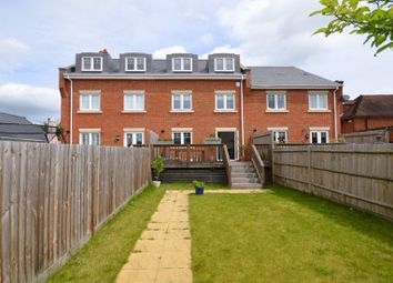 Thumbnail 4 bed town house to rent in Oldfield Road, Maidenhead