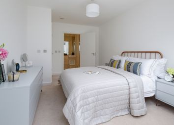 Thumbnail 2 bed flat to rent in Batavia Road, London
