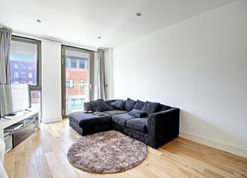 Thumbnail 1 bed flat to rent in Gateway House, 322 Regents Park Road, Finchley