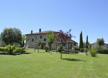 Thumbnail Hotel/guest house for sale in Via Montepulciano, Siena, Tuscany, Italy