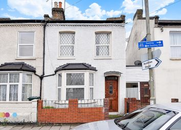 Thumbnail 3 bed property to rent in Fountain Road, London