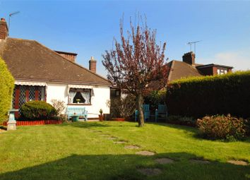 3 bed property for sale in Worcester Avenue, Upminster RM14