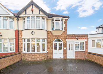 4 bed property for sale in Lincoln Close, Greenford UB6