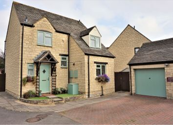 Thumbnail 3 bed detached house for sale in Westcote Close, Witney
