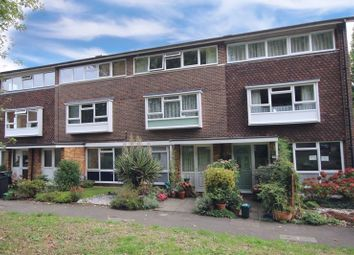 Grove Avenue, Epsom KT17. 2 bed flat