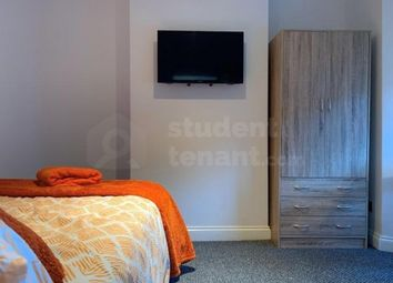 4 bed shared accommodation to rent in Corporation Road, Gillingham, Medway ME7