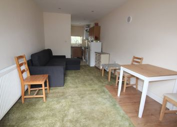 Thumbnail Studio to rent in Oakleigh Road North, London