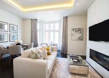 Thumbnail 2 bedroom flat to rent in Green Street, Mayfair, London