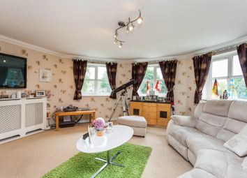 Thumbnail 2 bed flat for sale in Brookhill Road, Copthorne, Crawley