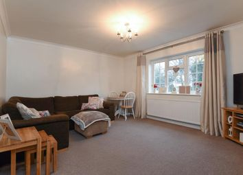 Thumbnail 2 bed flat to rent in Eskdale Avenue, Chesham