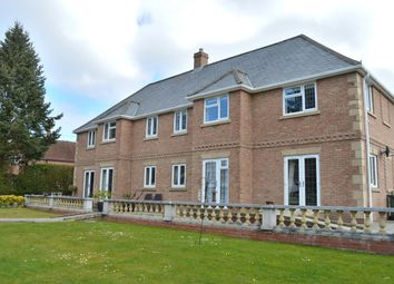 Thumbnail 2 bedroom flat for sale in Rowlands Castle, Hampshire