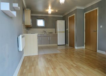 Thumbnail 1 bed flat to rent in Hanover Court, King Georges Avenue, Watford, Hertfordshire