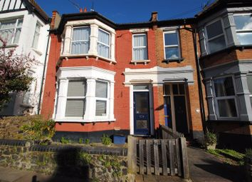 1 bed flat to rent in Highcliff Drive, Leigh-On-Sea SS9