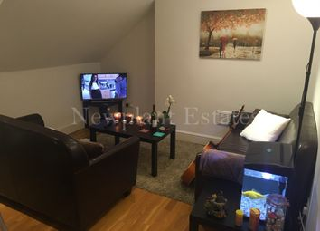Thumbnail 1 bed flat to rent in East Hill, Wandsworth