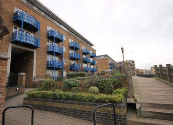 1 bed flat to rent in Mauretania Building, Jardine Road E1W