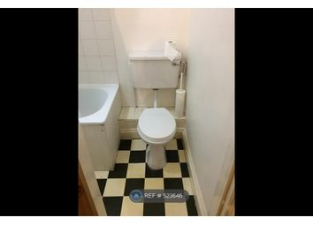 Thumbnail 2 bed flat to rent in Stoke Newington, London