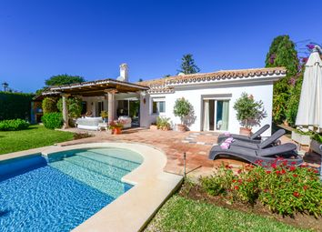 Thumbnail 3 bed detached house for sale in El Paraiso, Estepona, Málaga, Andalusia, Spain