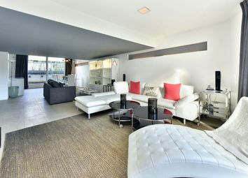 Thumbnail 2 bed flat for sale in Pear Tree Street, London