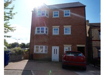 Thumbnail 2 bed flat for sale in Lea Place, Gainsborough