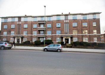 Thumbnail 4 bedroom flat to rent in Windsor Court, Golders Green Road, Golders Green