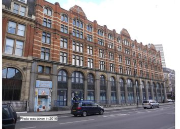 Thumbnail 3 bedroom property for sale in Flat 33 City Approach, 190 City Road, Clerkenwell, London