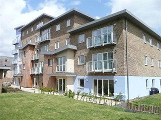 Thumbnail 2 bed flat to rent in Sundeala Close, Sunbury-On-Thames